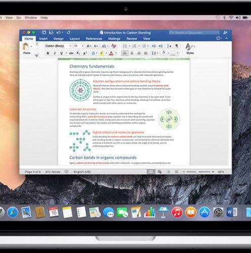 MacBook із відкритим